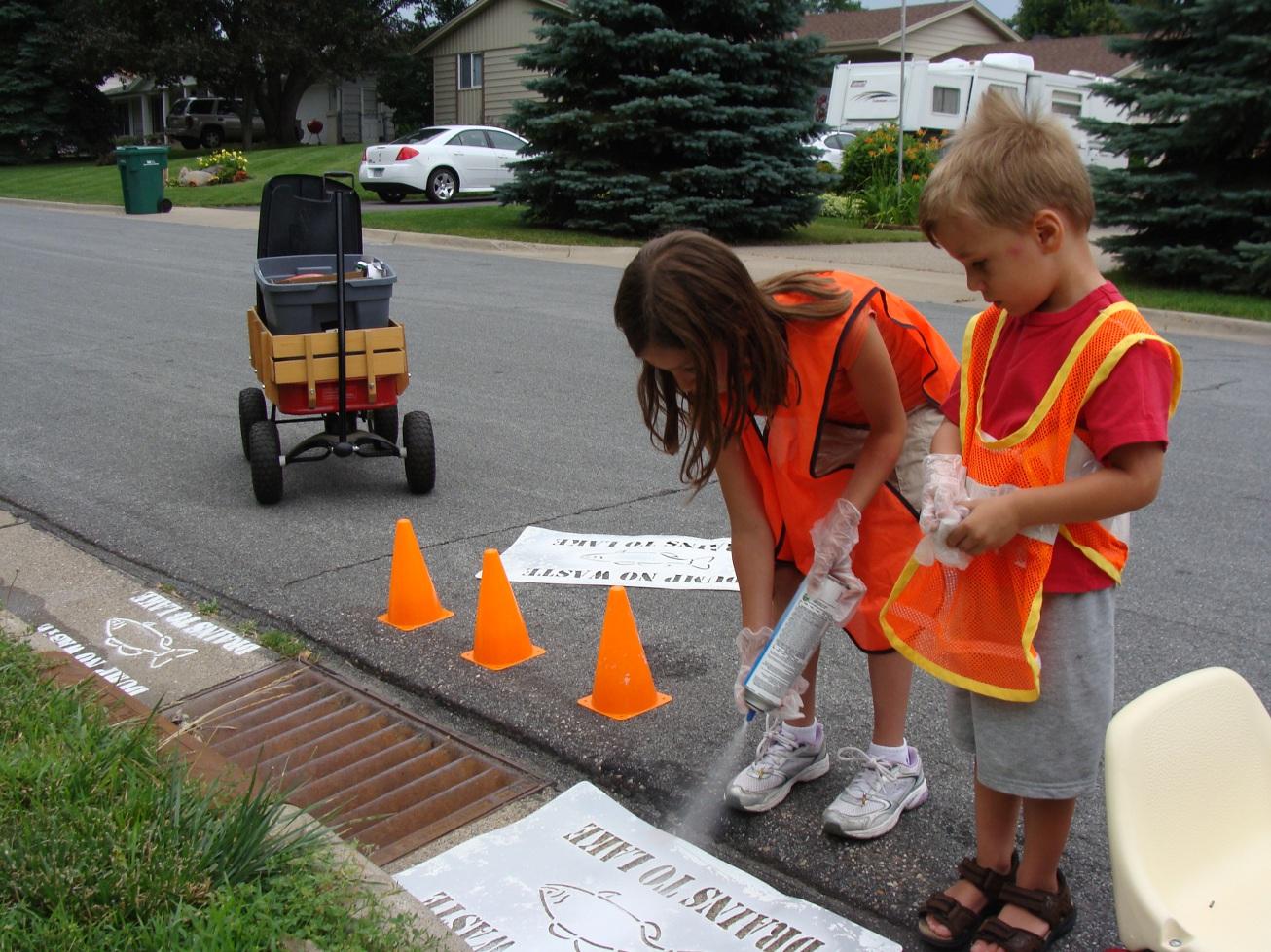 Stenciling Volunteers